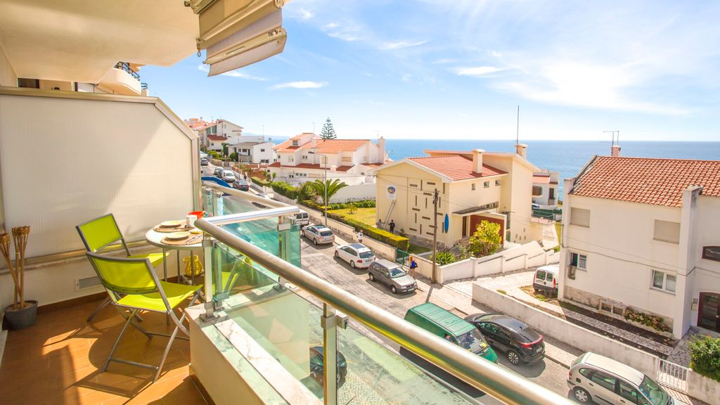 Ericeira beach apartm with sea view