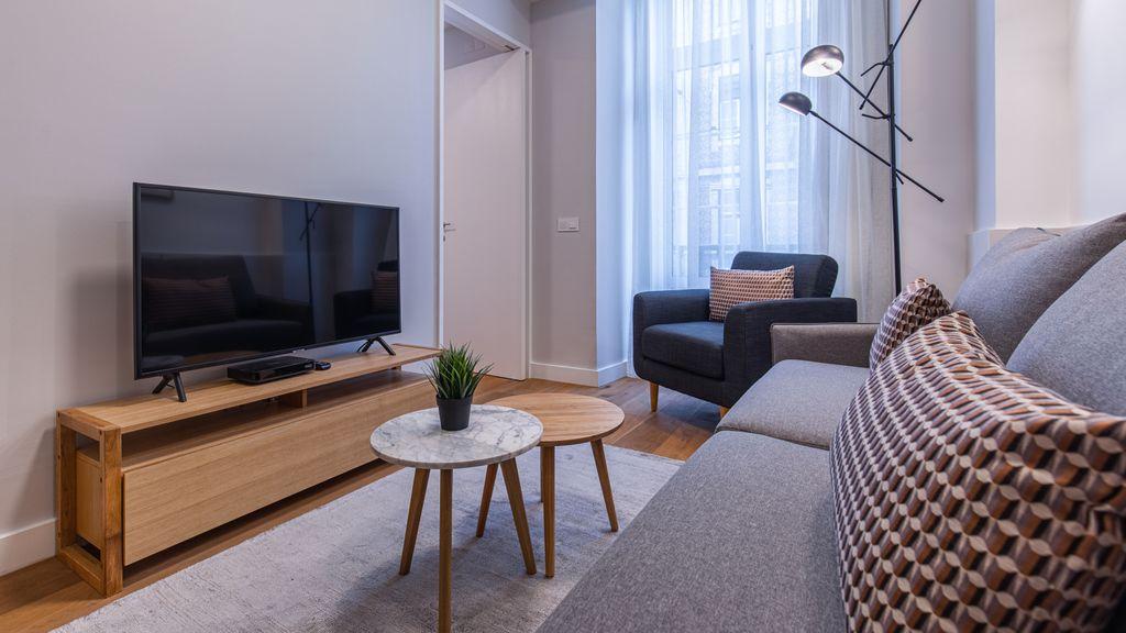 Upscale & Modern 2BDR Apartment