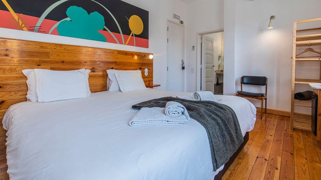 Casa da Estefânea Guesthouse - Standard King Bedroom VIII by LovelyStay